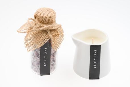 Aromatyczna świeca do masażu z kwiatową solą do kapieli (1)